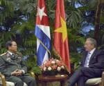 Raul y General Viet Nam