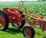 Tractor USA CUba