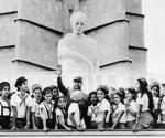Fidel y niños