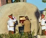 Raul deposita urna Fidel