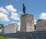 2706954-Monumento-Ernesto-Che-Guevara-0