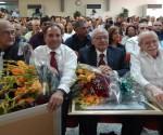 p`remio medcos cubanos
